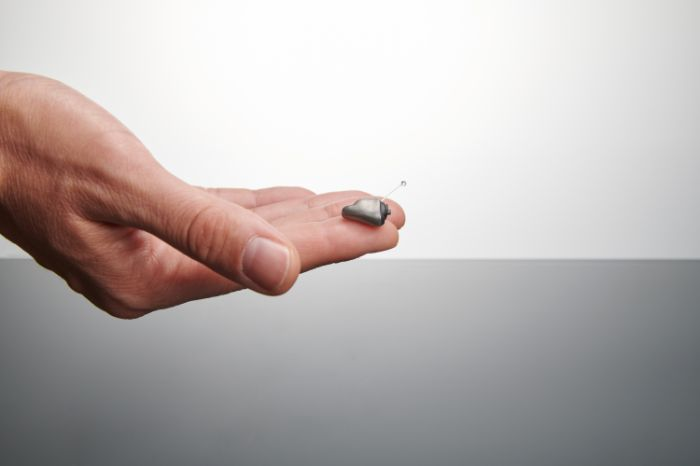 ITE hearing aid: invisible hearing aid